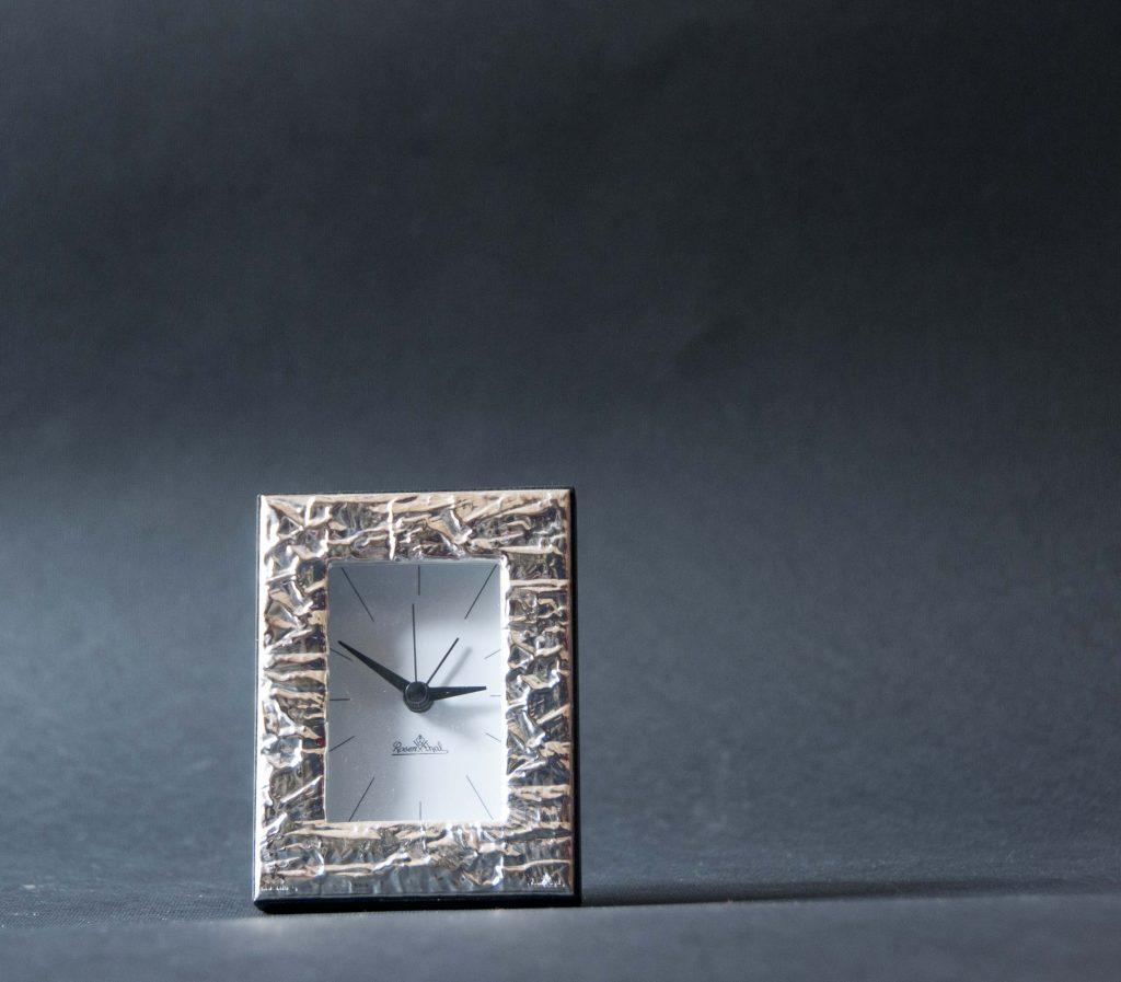 Sveglia cornice argento rosenthal gallo regali torino for Sveglia thun prezzo