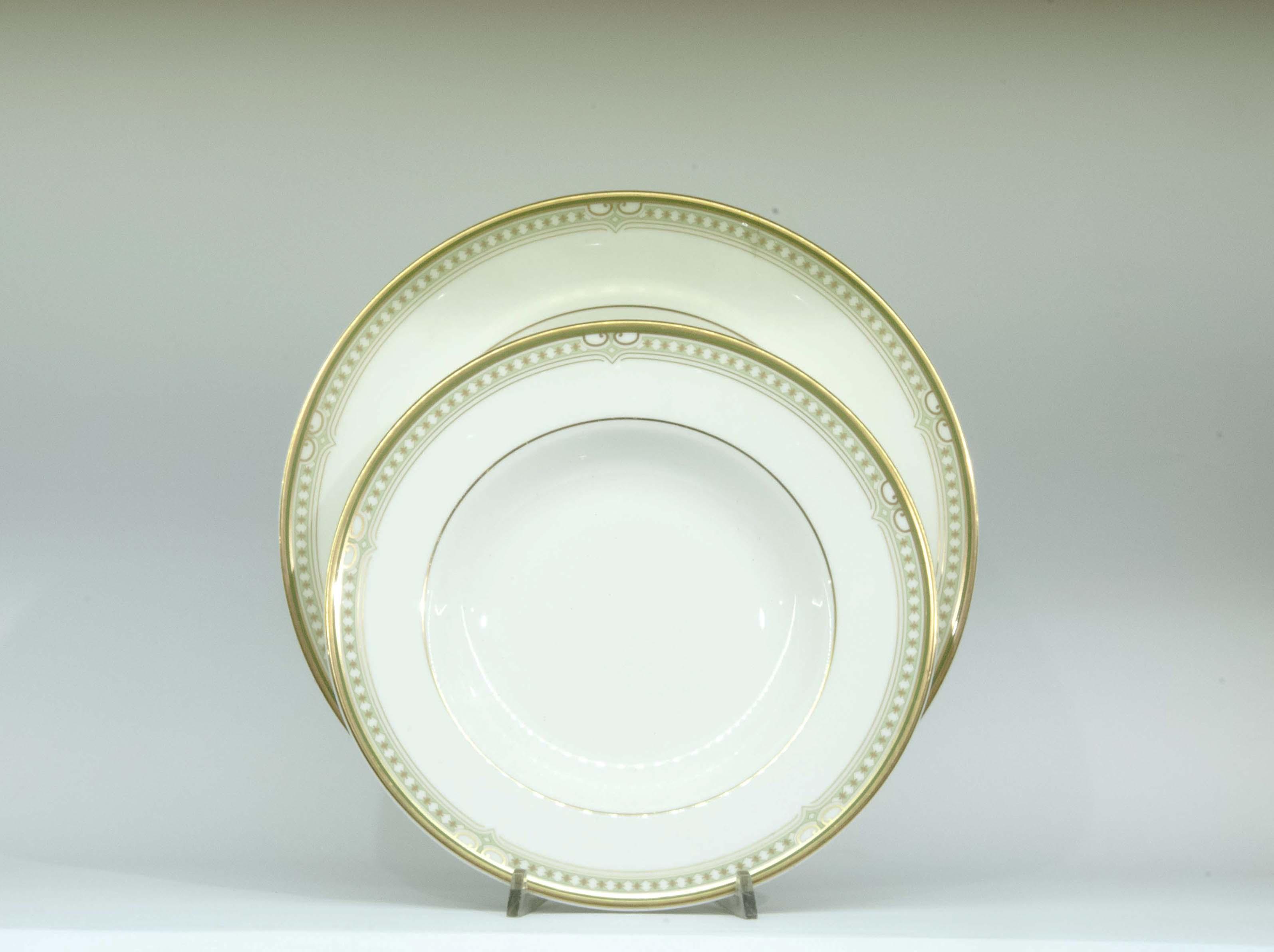 Gallo regali liste nozze i piatti lichfield di royal doulton for Sveglia thun prezzo